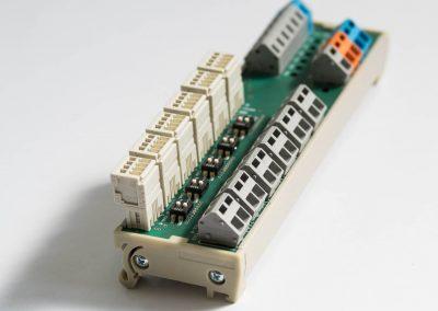 Driver di potenza configurabile per illuminatori industriali