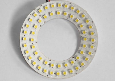 Illuminatore conico per acquisizione di immagini per processi di ispezione automatica