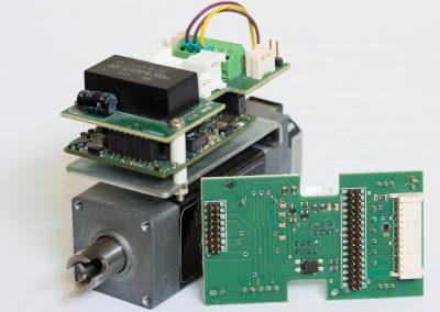 Scheda di interfaccia azionamento per servomotore integrato con albero cavo